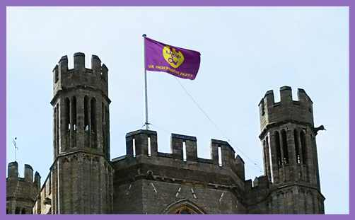 MAIL FAIL: Daily Mail Falls For UKIP Flag Flying Hoax